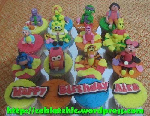 Cupcake barney, cupcake baby bob, cupcake bj, cupcake dora, cupcake boots, cupcake winnie the pooh, cupcake tigger, cupcake eeyore, cupcake piglet, cupcake spongebob, cupcake cars, dan cupcake minnie mouse