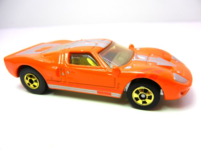 hot wheels hot ones ford gt40  (3)