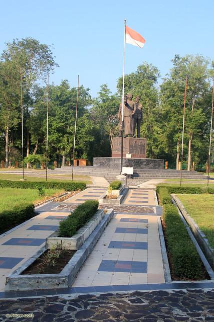 Monumen Gubernur Soerjo