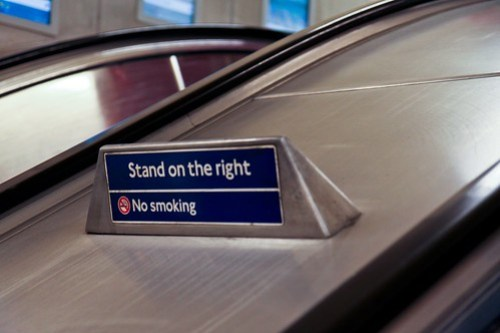 London, Stand on the right Tube
