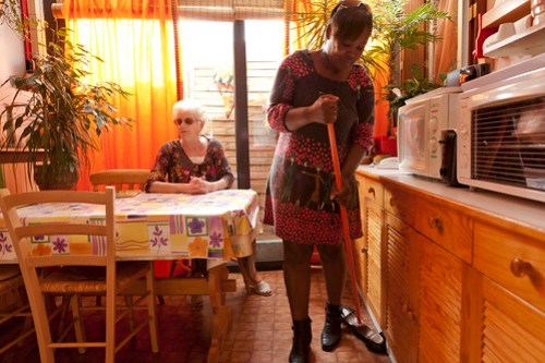 Caregivers for the elderly (03) - 12Apr11, Champigny-sur-Marne (France)
