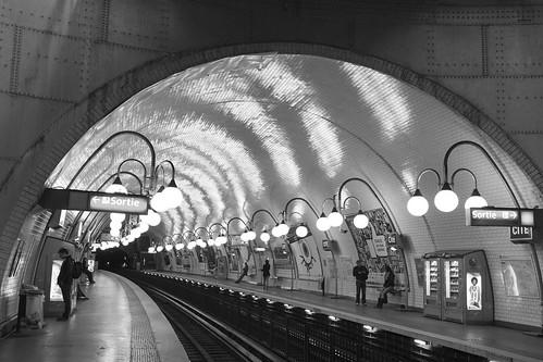 Cite´ - Metro station - Paris