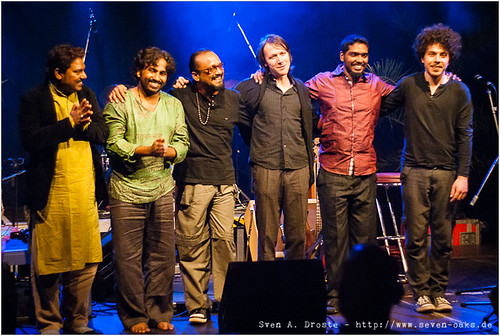 Faiyaz Khan, Muthu Kumar, John Anthony, Oliver Fox, Naveen Napier Kumar & Janis Görlich / Karnatriix Global Ensemble