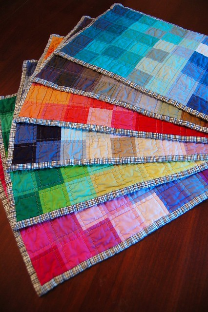 Pixelated Spectrum Placemats