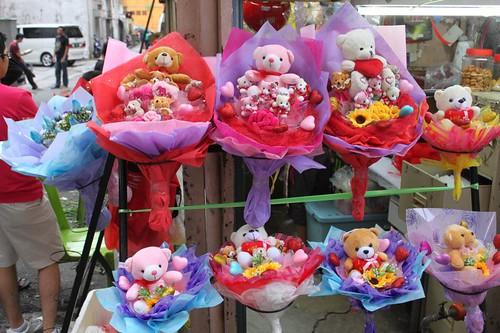 201102190905_Valentine-bouquets