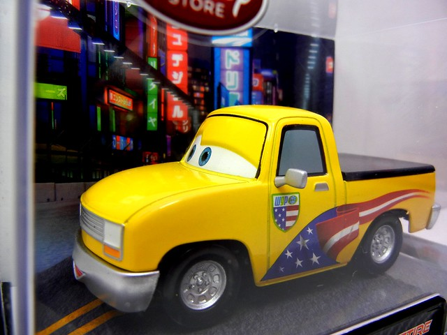 disney store cars 2 john lassetire (2)