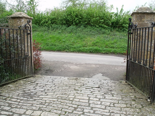 Tintinhull House - gates