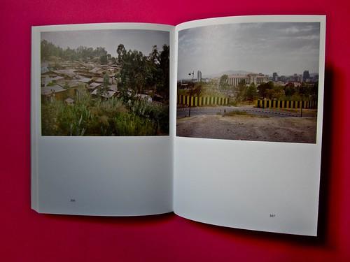 Vincenzo Latromico, Armin Linke, Narciso nelle colonie. Quodlibet Humboldt 2013. Progetto grafico di Pupilla Graphic. Pagine 106 - 107 (part.)