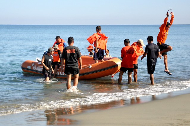 Search and Rescue Rubber Boat Operation Class 07- 2013 (9)
