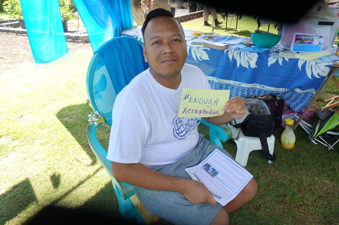 Pearl City, HI - Blue Scarf Event during Peace Day Hawaii 2016 (3)