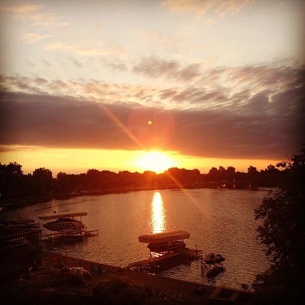 One last lake picture, sunrise-ish