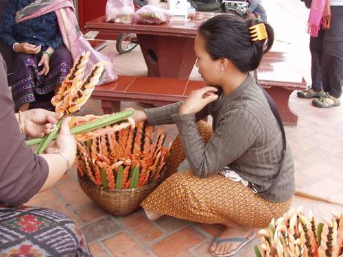 2012011310066_flower-seller