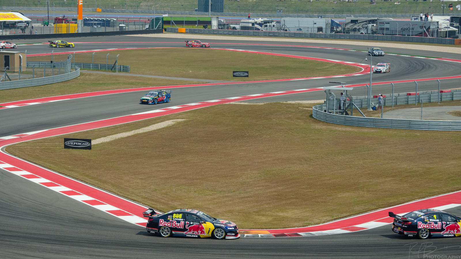Craig Lowndes and Jaime Whincup at Turn 15
