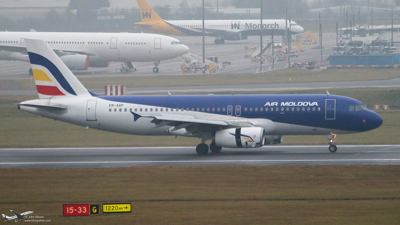 ER-AXP A320 MLD