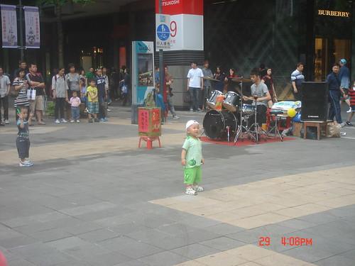 街頭藝人_新光三越信201
