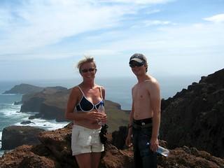 Fornøyde på toppen av Ponta de Sao Lourenco