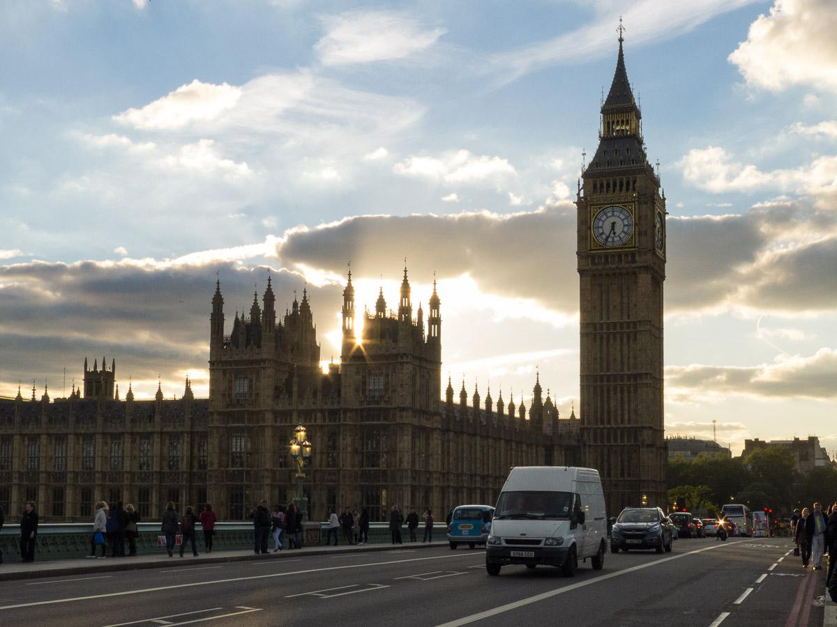 Puente de Westminster y Cámaras del Parlamento