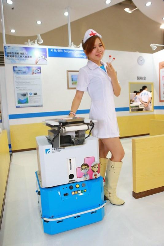 圖三:醫護運載機器人