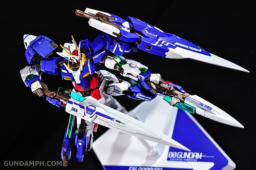 Metal Build 00 Gundam 7 Sword and MB 0 Raiser Review Unboxing (86)