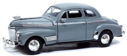 Newray Chevrolet Deluxe 1941 (1)