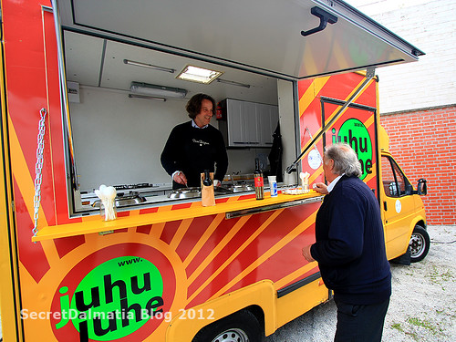 The soup truck and Mr. Oz(ren Drobnjak)