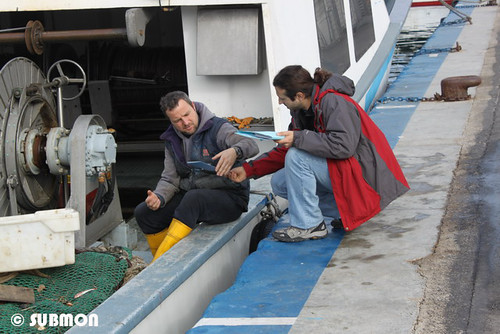 Trabajando con pescadores en Arenys de Mar