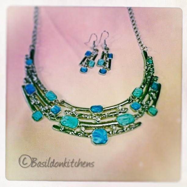 July 11 - I wore this {some of my fave costume jewelry} #fmsphotoaday #necklace #earrings #blue #turquoise #jewelry #titlefx