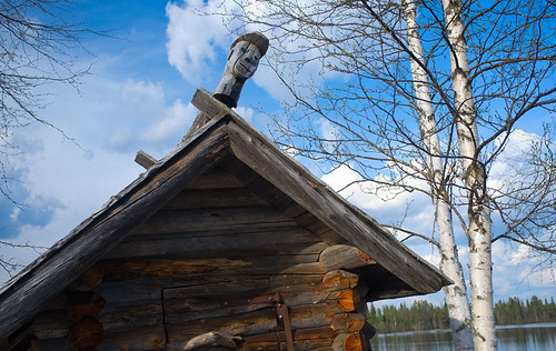 Old shed by River Kitinen