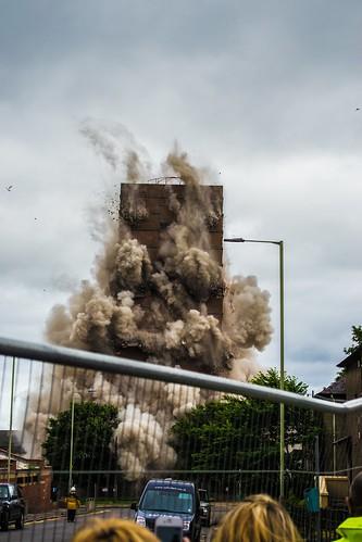 bucklemaker butterburn court multi safedem explosion blast dundee high rise block flats hilltown
