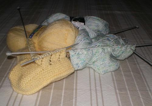 Tricot Layette - Chaussons pour bébé commencés par la semelle (2/2)