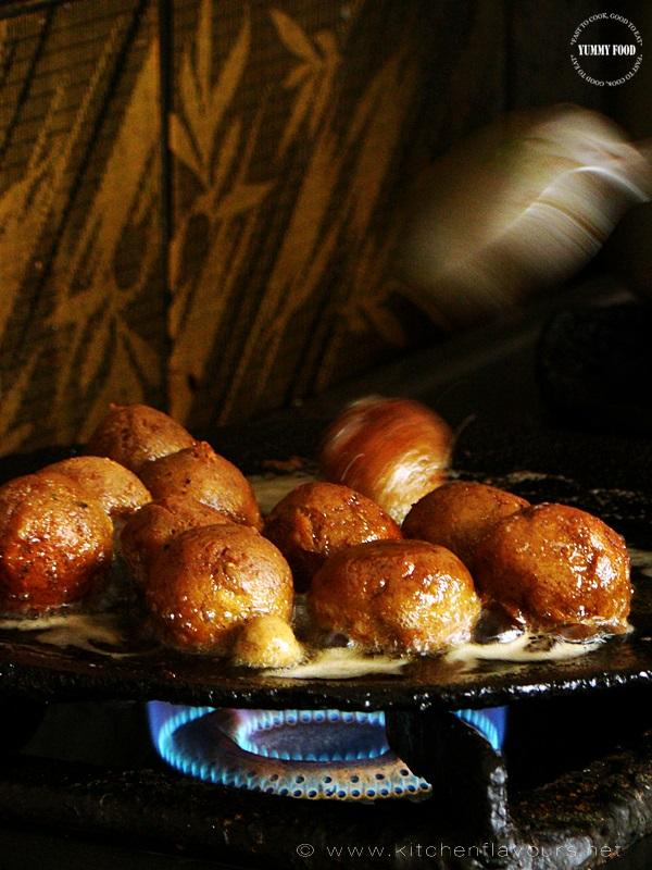 Frying Spicy Lamb Meat Balls