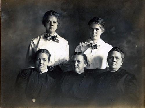 Farley-Nannie&Daughters