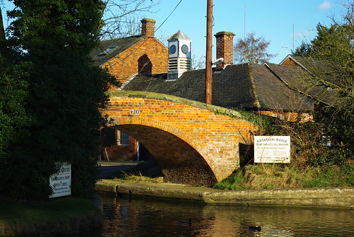 20120219-68_Oxford Canal - Bridge 70 at Hillmorton Locks by gary.hadden