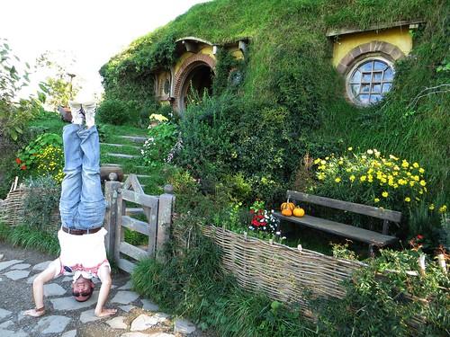 50. bag end, hobbiton headstand