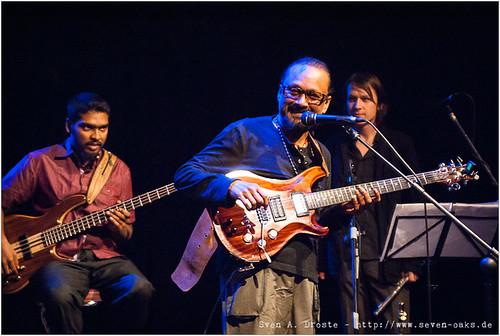 Naveen Napier Kumar, John Anthony & Oliver Fox / Karnatriix Global Ensemble