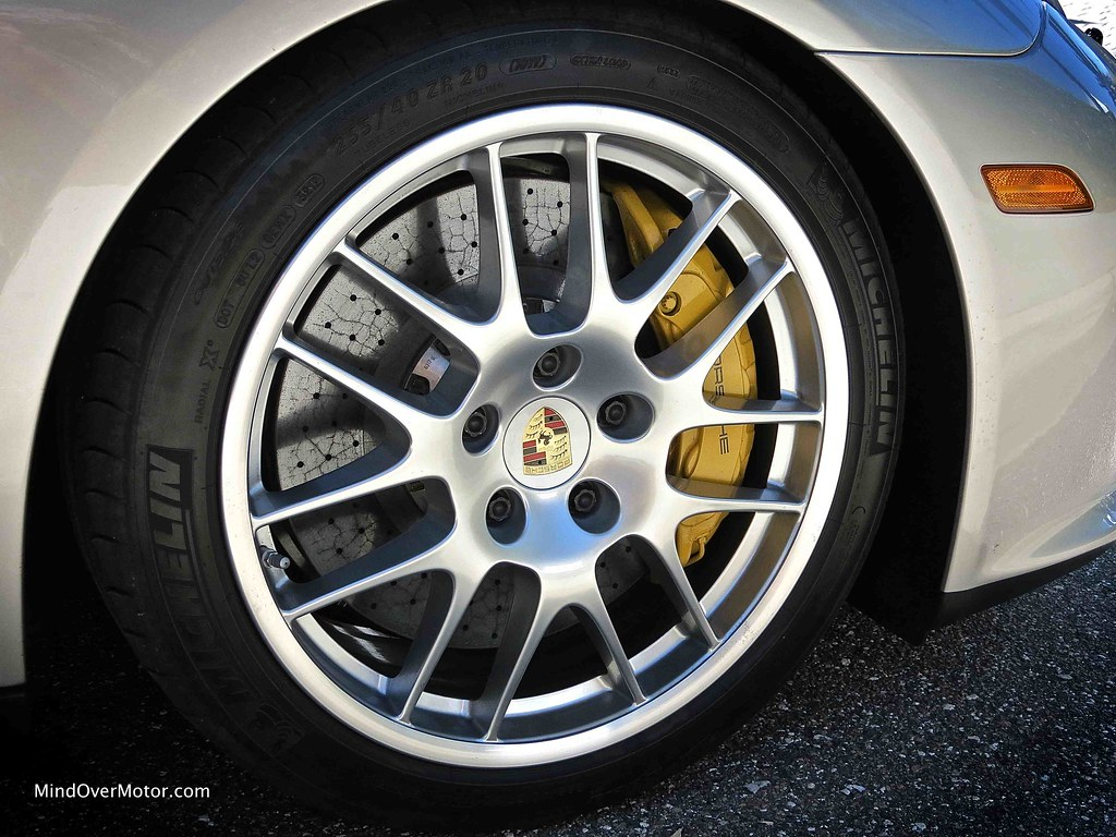 2013 Porsche Panamera GTS Carbon-Ceramic Brakes
