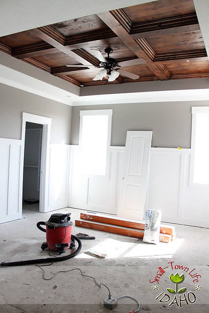 Remodelaholic Diy Master Bedroom Wood Coffered Ceiling