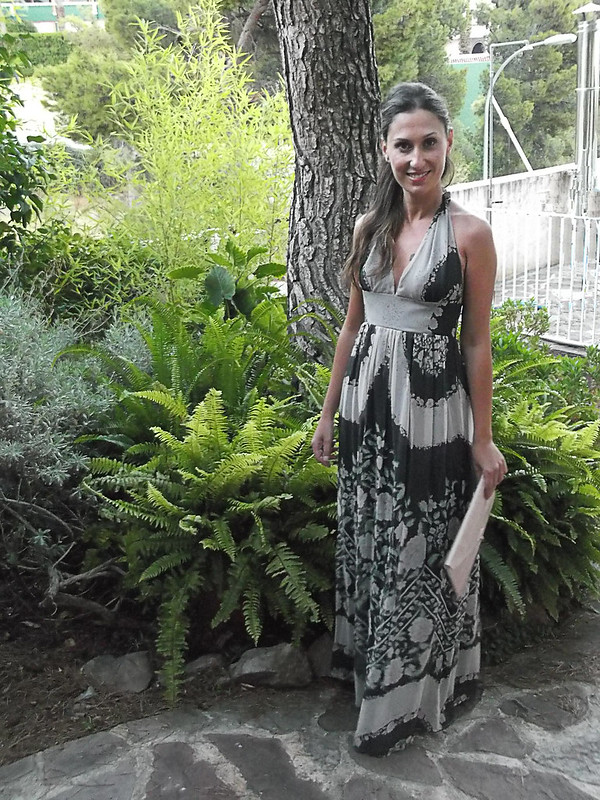 "Verano, maxidress, boda, vestidos largos, escote halter, floral, grises, negros, rosa palo, verdes, evento, cuñas caqui, clutch rosa palo, romántica, summer, wedding, long dresses, ""halter"" neckline, floral print, gray, black, pale pink,  green, event, khaki wedges, pale pink clutch, romantic"