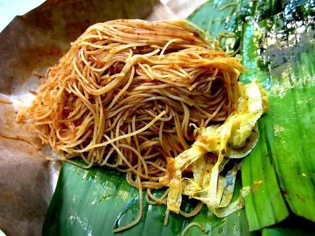 Nyonya Colours fried mee siam