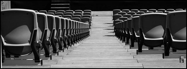 Las números f grandes producen profundidades de campo grandes. Foto: Row J Seat 34  por Craig Sunter. EXIF: Aperture  f/7.1 Lente  55 mm.