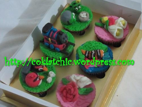 Cupcake thomas, cupcake angry bird, cupcake mawar, cupcake nemo dan cupcake kana lily