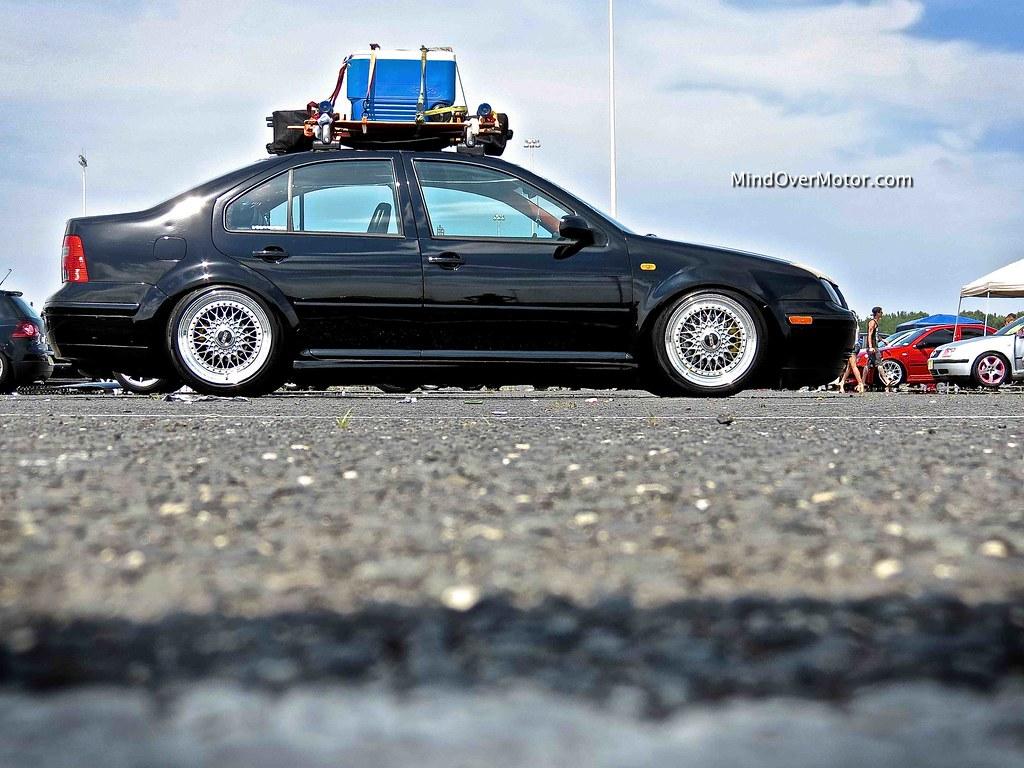 Slammed Mk4 VW Jetta