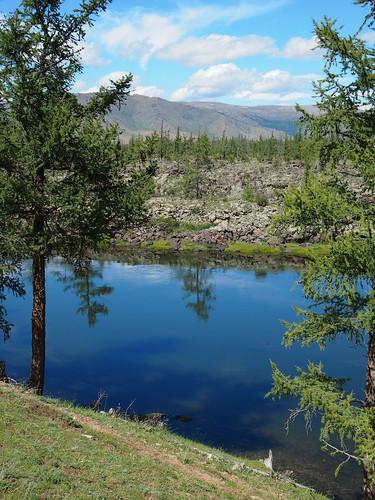 River in the south rim of Tariat lake