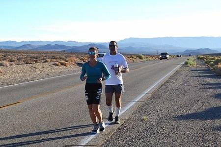 Nahila Hernandez y Argel Ruiz - Badwater 135 2013