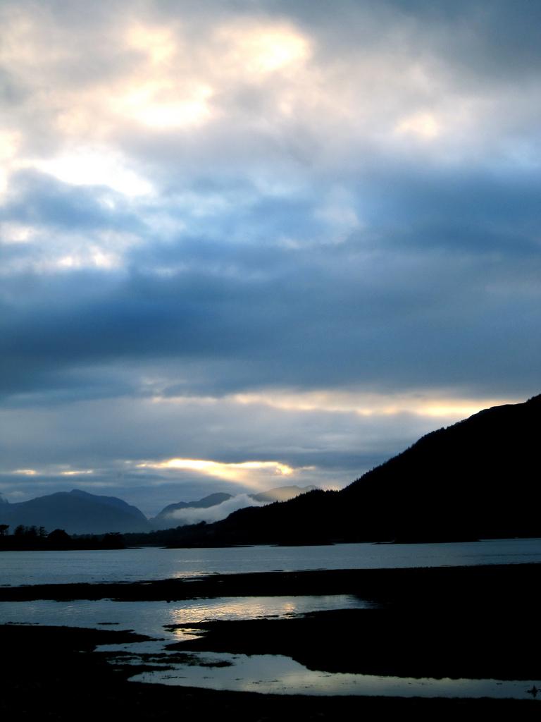 2. Lago de las Highlands. Autor, Ben Hanbury