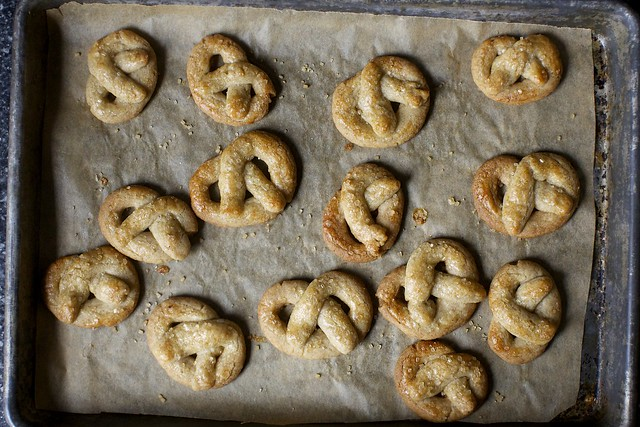 sugared rye pretzel cookies