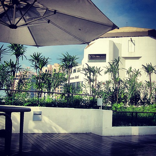 Roof Deck at Hilton #singapore by @MySoDotCom