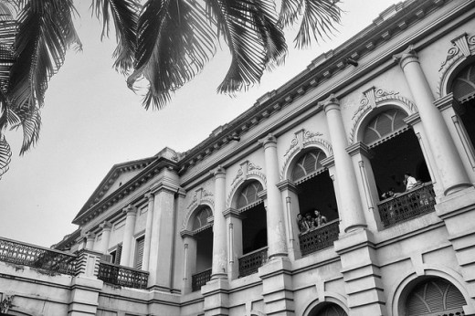 Ahsan Manzil: Different Strokes VII