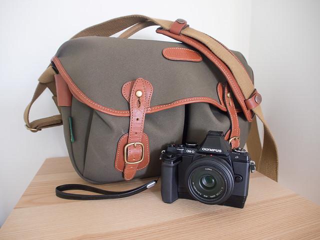 Billingham Hadley shoulder bag and Olympus OMD EM5