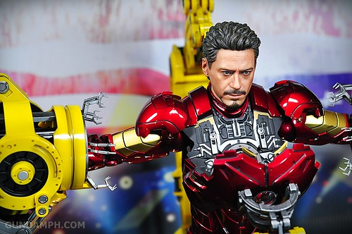 Hot Toys Iron Man 2 - Suit-Up Gantry with Mk IV Review MMS160 Unboxing - day3 (56)